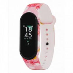 Pantalla One Touch: 0,96 pulgadasBatería: 90 mAh 3 días en uso normal 5 días en StandbyTamaño: 20 x 48 mmImpermeabilidad: