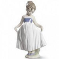 LLADRO  Mira mi vestido 20 Cm - 09172
